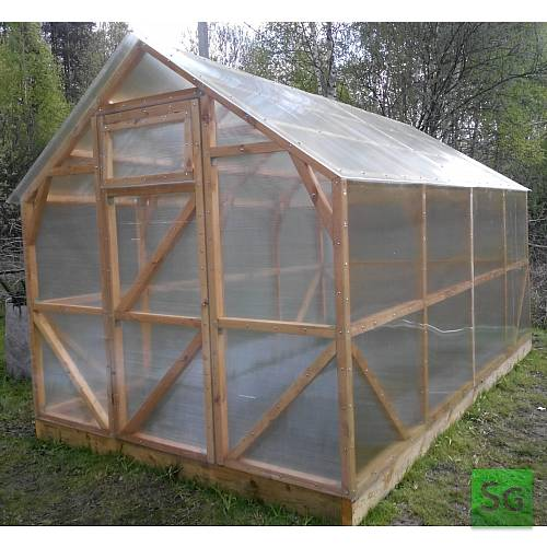 """Теплица деревянная """"Домик"""" 2.5х4 м, каркас: Вид готовой теплицы, укрытой поликарбонатом."""