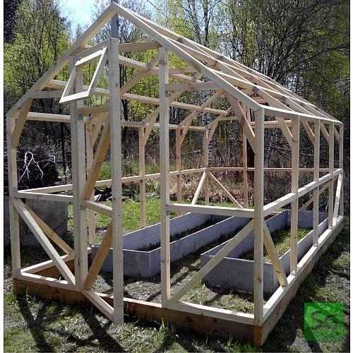 """Теплица деревянная """"Домик"""" 2.5х4 м, каркас: Установленный каркас теплицы."""
